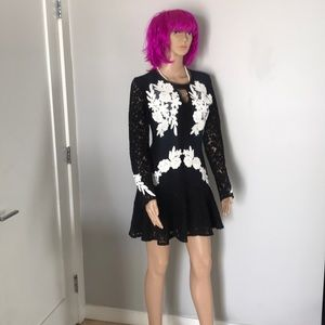 Self-portrait size 2 lace black-white dress NWT